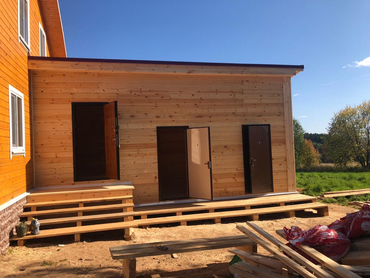 Брусовая пристройка 3.5х7.5м к брусовому дому в селе Красное Вологодской области